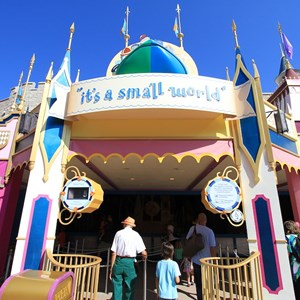 4 of 10: it's a small world - Entering the queue