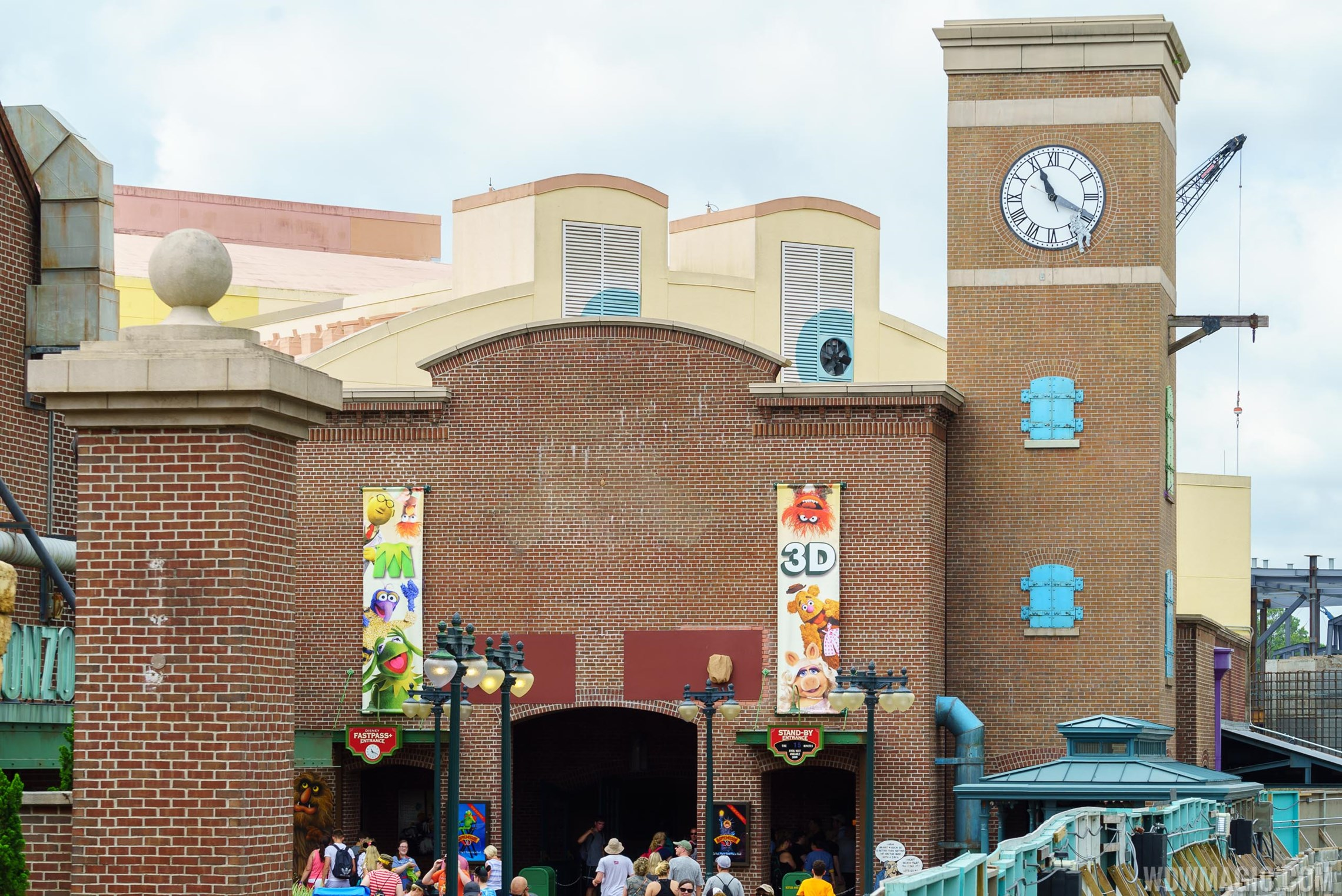 New sign preparation at MuppetVision 3D