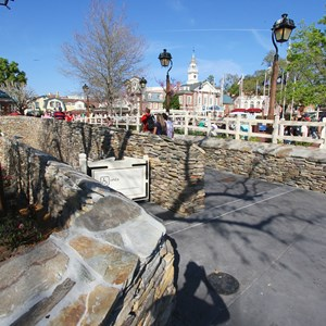 2 of 7: Liberty Square - Liberty Square walkway expansion open