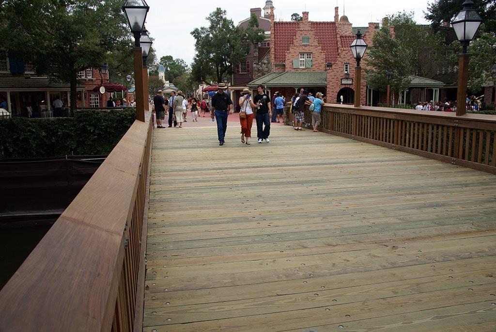 Liberty Square bridge reopens to traffic