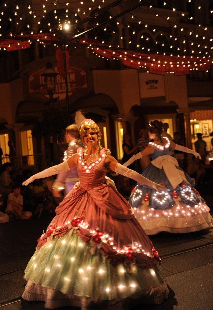 Main Street Electrical Parade cast preview