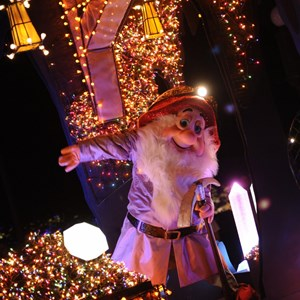 2 of 5: Main Street Electrical Parade - Main Street Electrical Parade cast preview
