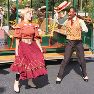 3 of 8: Main Street Trolley Show - Main Street Trolley Show fall edition