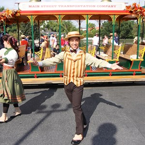 4 of 8: Main Street Trolley Show - Main Street Trolley Show fall edition