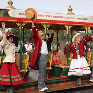 8 of 10: Main Street Trolley Show - Holly Jolly Trolley Show