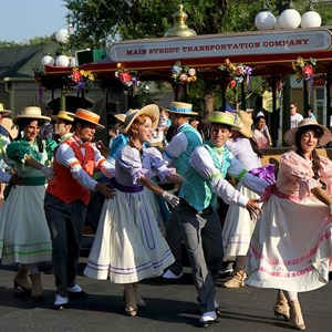 6 of 9: Main Street, U.S.A. - Main Street Trolley Show
