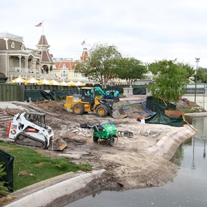 3 of 3: Main Street, U.S.A. - Magic Kingdom waterway dam