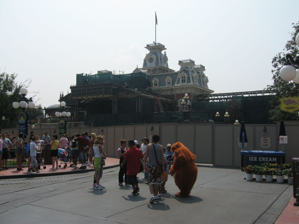 Main Street Train Station and Town Hall area refurbishment