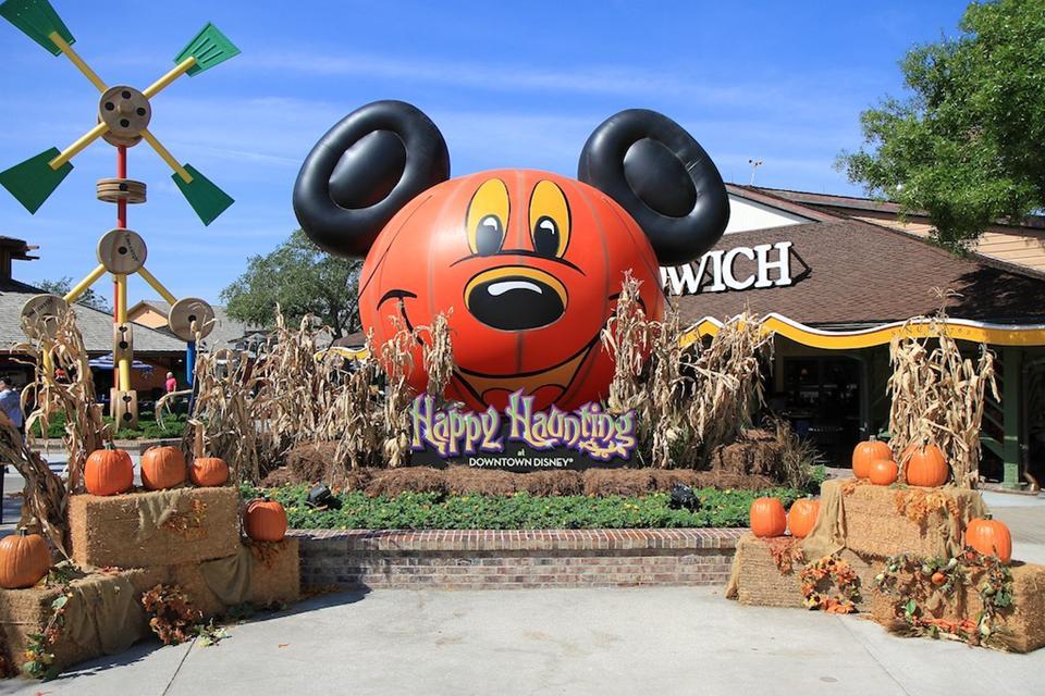 downtown disney halloween decorations - Disney Halloween Decorations