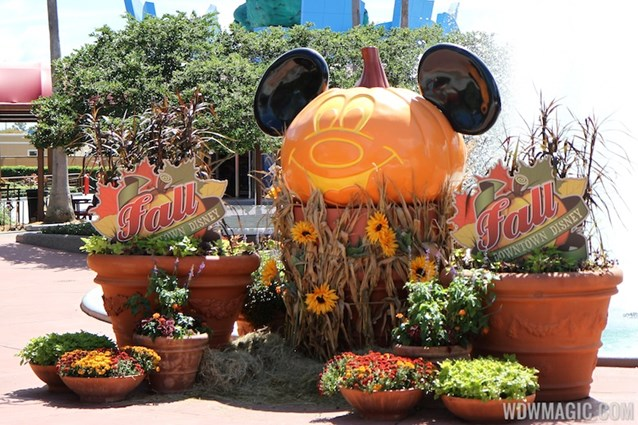 Marketplace - Downtown Disney Fall decor 2013 - Photo op near Planet Hollywood