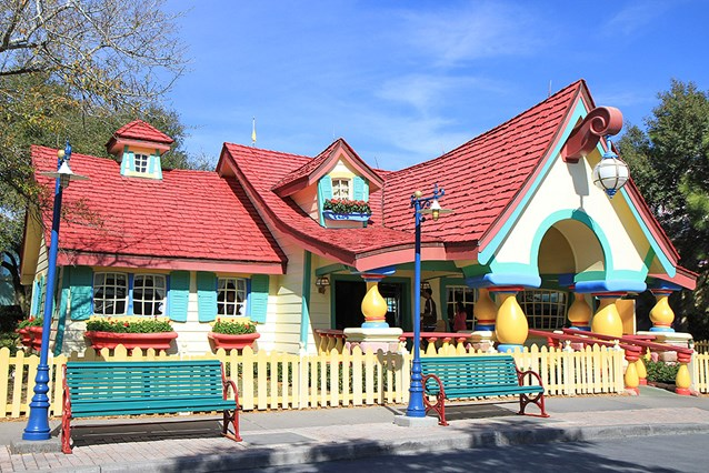 Mickey's Country House