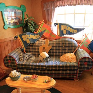 9 of 18: Mickey's Country House - Mickey's Country House - Interior