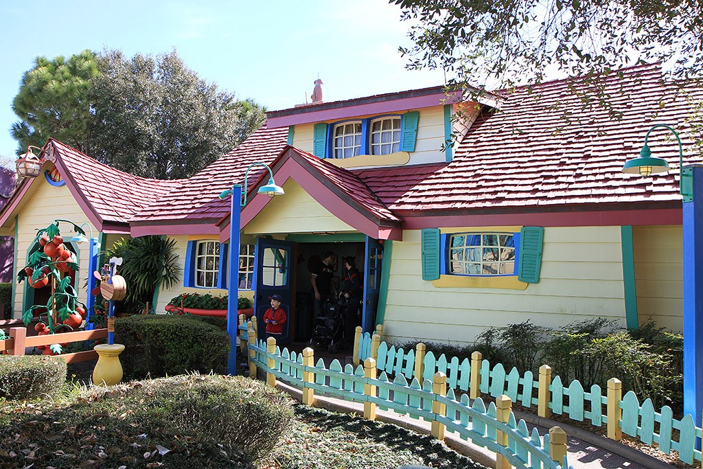 Mickey's Country House - Exterior