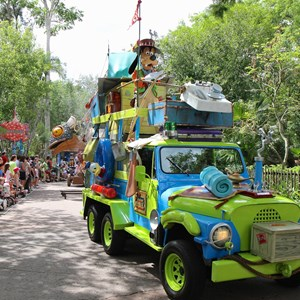 25 of 48: Mickey's Jammin' Jungle Parade - Mickey's Jammin' Jungle Parade