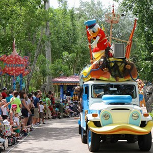 36 of 48: Mickey's Jammin' Jungle Parade - Mickey's Jammin' Jungle Parade
