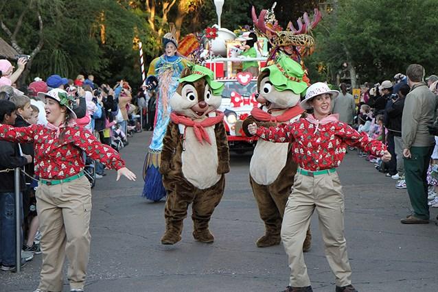 Mickey's Jingle Jungle Parade