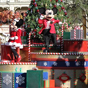 5 of 62: Mickey's Once Upon a Christmastime Parade - Mickey's Once Upon a Christmastime Parade 2009