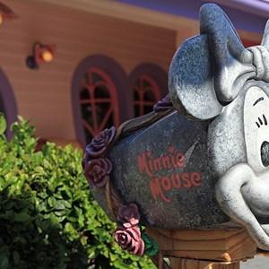 2 of 6: Minnie's Country House - Minnie's Country House - exterior