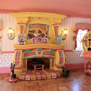2 of 34: Minnie's Country House - Minnie's Country House - interior