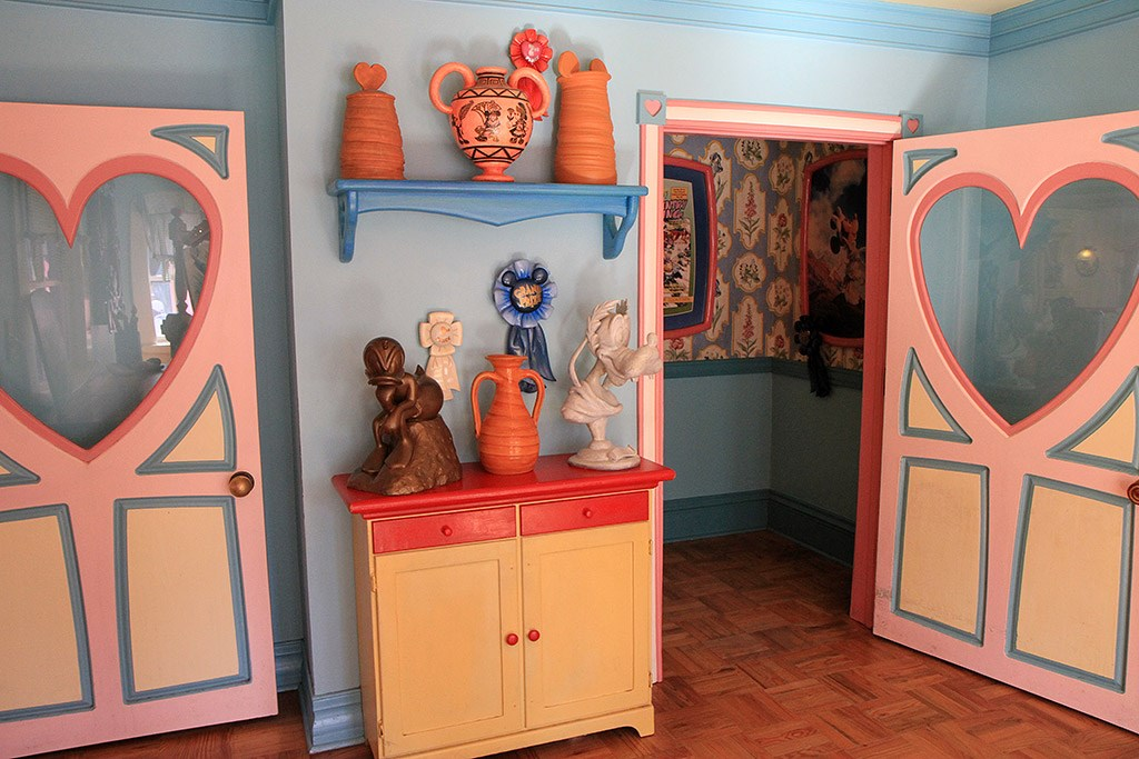 Minnie's Country House - interior