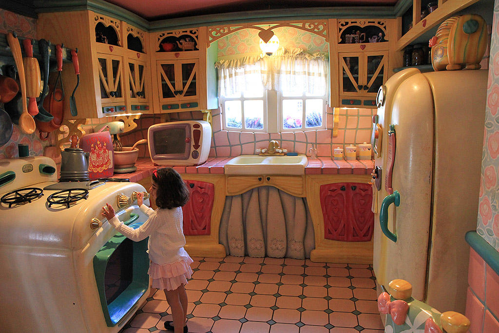 Minnie's Country House - interior - Photo 25 of 34