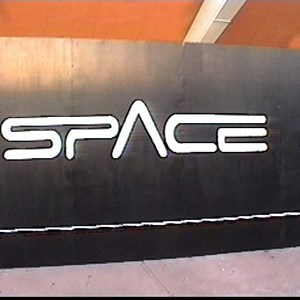 1 of 2: Mission: SPACE - Black construction wall appears around Horizons