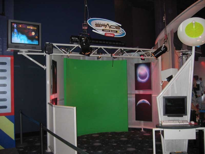 Innoventions Mission Space photo opportunity