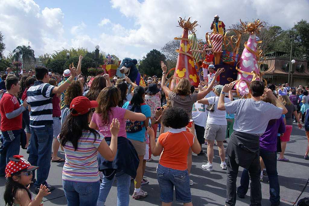 Move It, Shake It, Celebrate It! Street Party