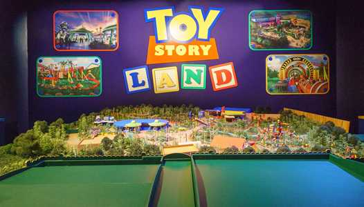 PHOTOS - 'Walt Disney Presents' unveils Toy Story Land and Star Wars A Galaxy's Edge models