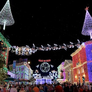 3 of 5: Osborne Family Spectacle of Dancing Lights - 2011 Display