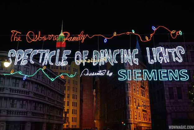 Osborne Family Spectacle of Dancing Lights 2014 show