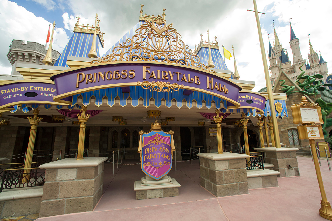 meet anna and elsa at princess fairy tale hall review online