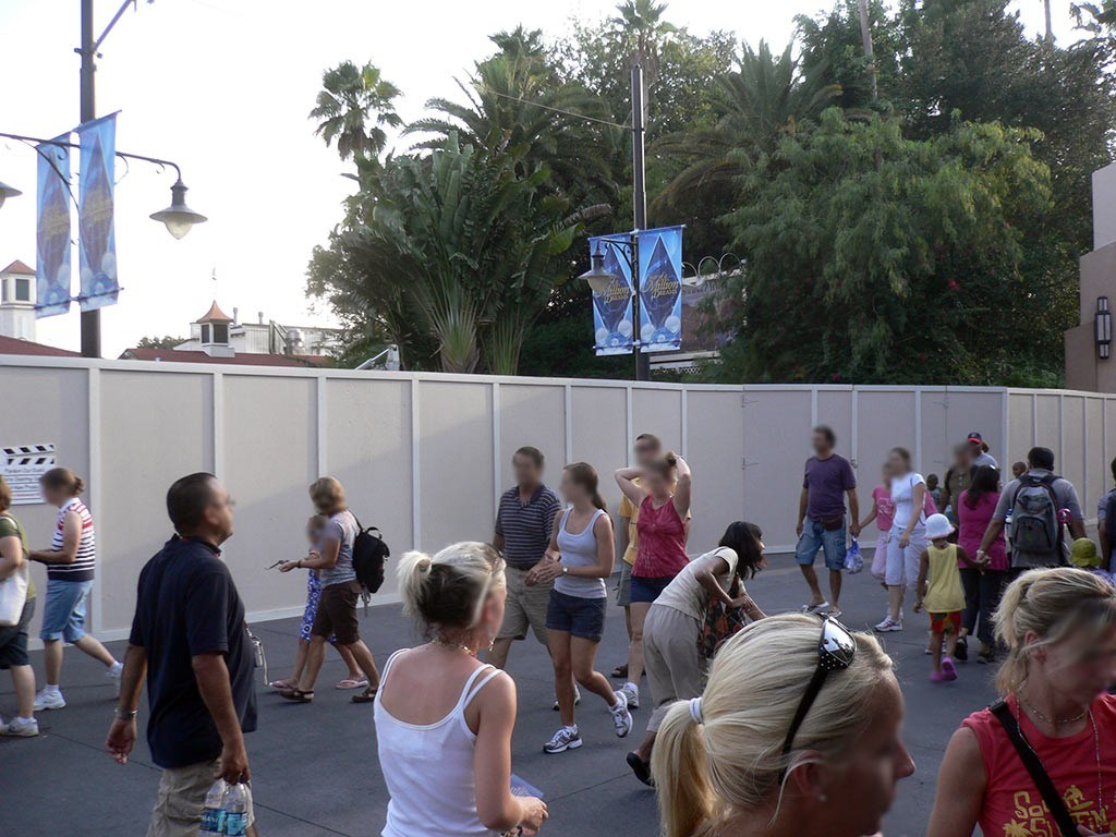 Rock n Roller Coaster exterior refurbishment