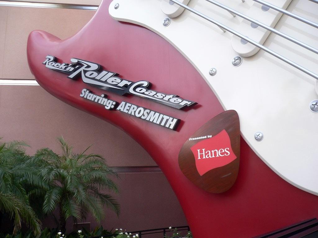Rock n Roller Coaster exterior refurbishment