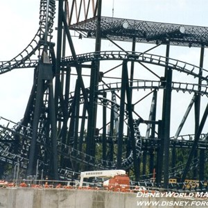 4 of 5: Rock 'n' Roller Coaster Starring Aerosmith - Rock n Roller Coaster construction photos