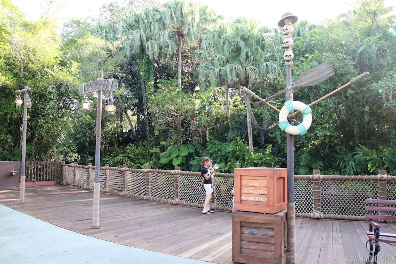 Shrunken Ned's Junior Jungle Boats removed