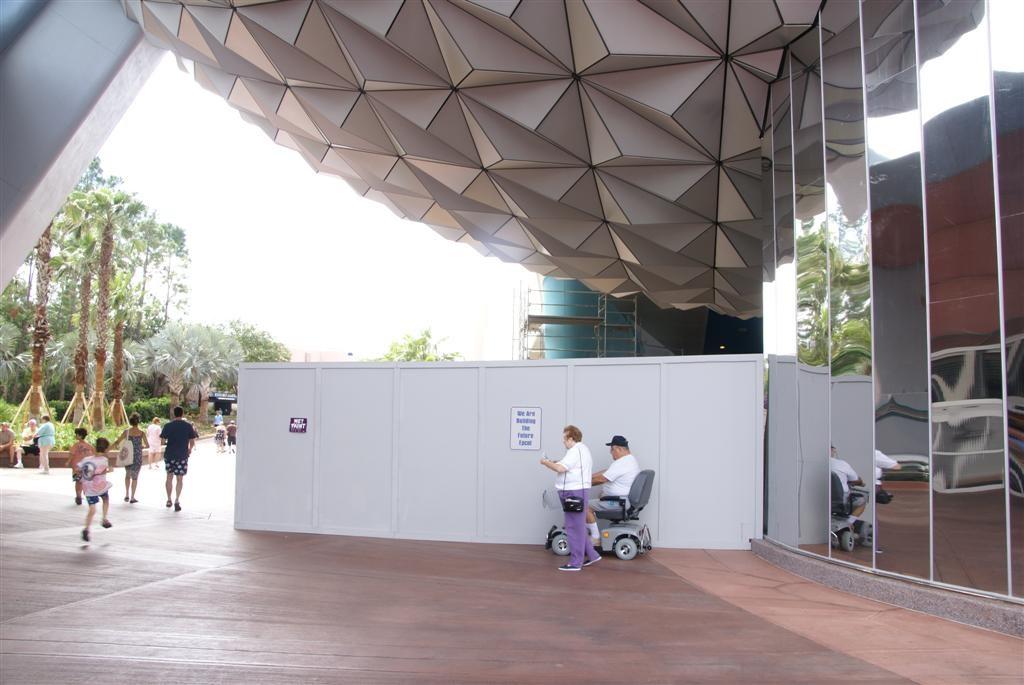 Walkway reopens