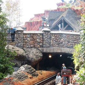 9 of 16: Splash Mountain - Splash Mountain drained for refurbishment
