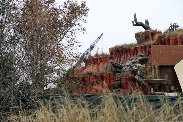 Splash Mountain - The crane is being used to bring in new sections of track for the lifts