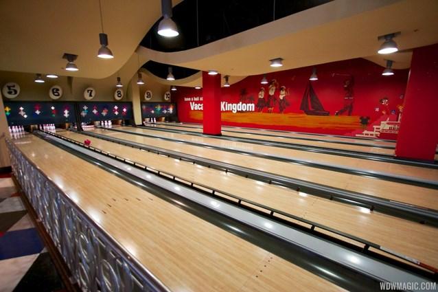 Splitsville - Splitsville lower level bowling lanes