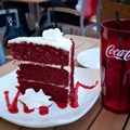 Splitsville - Splitsville giant red velvet cake