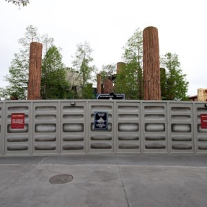 2 of 5: Star Tours - The Adventures Continue - Construction walls