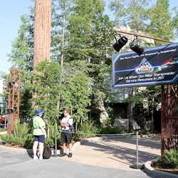 Walls down at Star Tours