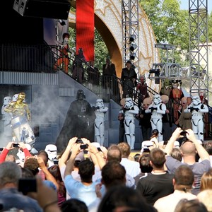 4 of 15: Star Tours - The Adventures Continue - Darth Vadar takes the stage