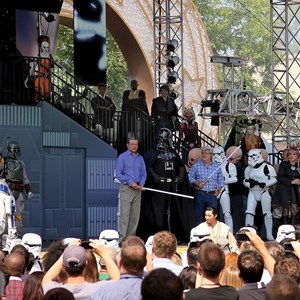 7 of 15: Star Tours - The Adventures Continue - Bog Iger, Darth Vadar and George Lucas