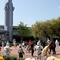 Star Tours - The Adventures Continue - C3PO leads the parade to Star Tours
