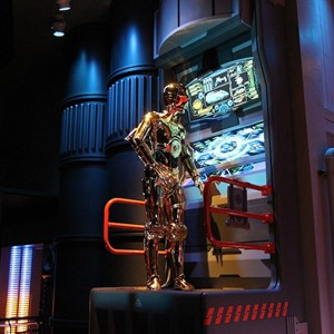 21 of 34: Star Tours - The Adventures Continue - Disney Parks Blog Star Tours meet up