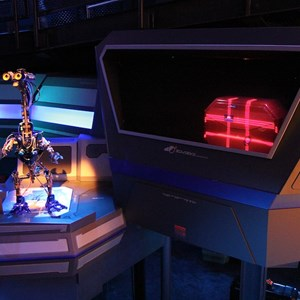 22 of 34: Star Tours - The Adventures Continue - Disney Parks Blog Star Tours meet up
