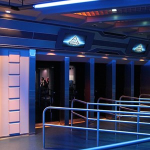 25 of 34: Star Tours - The Adventures Continue - Disney Parks Blog Star Tours meet up