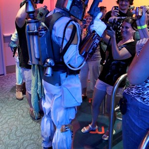 31 of 34: Star Tours - The Adventures Continue - Disney Parks Blog Star Tours meet up